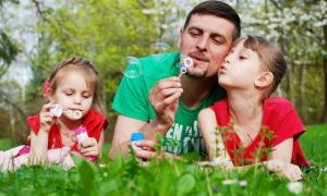 Правительство рассмотрит законопроект о досрочном выходе многодетных отцов на пенсию